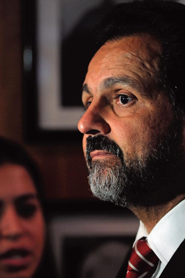 BATEU, LEVOU O governador Agnelo Queiroz transferiu um dos delegados que o investigaram para um posto de menor prestígio  (Foto: Ronaldo de Oliveira/CB/D.A Press)