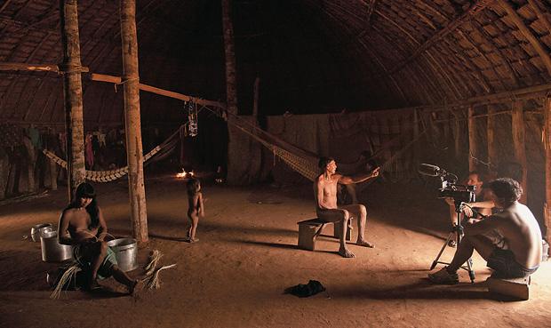 MEMÓRIAS Um índio huni-kui conta a história de seu povo no filme Já me transformei em imagem (Foto: Vincent Carelli)