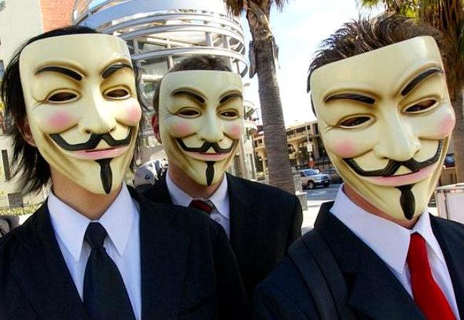 Eles voltaram para atacar os sites das instituições financeira contra a corrupção