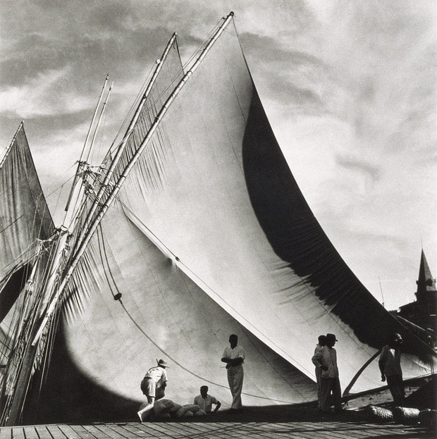 Porto de Veleiros Ver-o-Peso, de Pierre Verger, Belém, 1948 (Foto: Pierre Verger)