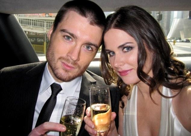 Pete Cashmore e sua namorada, a modelo e fotógrafa Lisa Bettany (Foto: Reprodução Internet)