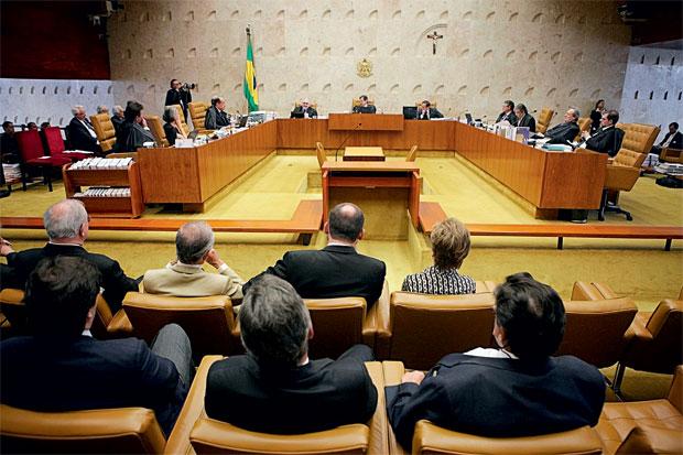 A JUSTIÇA Sessão do Supremo Tribunal Federal. Em 2009, o STF realizou audiências públicas para discutir  a pertinência de ações contra  o SUS. A controvérsia persiste  (Foto: Fellipe Sampaio /SCO/STF)
