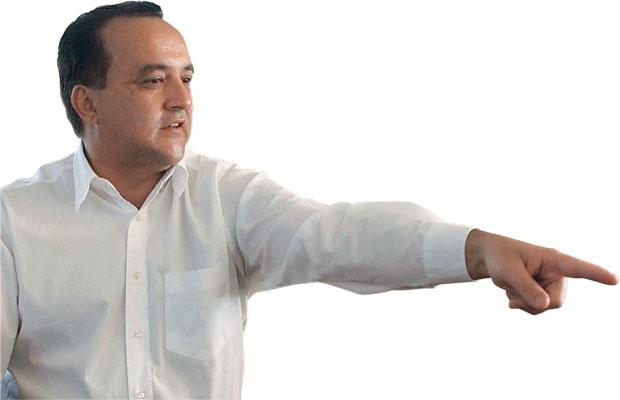 ELE DÁ MEDO O bicheiro Carlinhos Cachoeira. Preso numa penitenciária de segurança máxima, ele está negociando uma delação premiada (Foto: Iano Andrade/CB/D.A Press)