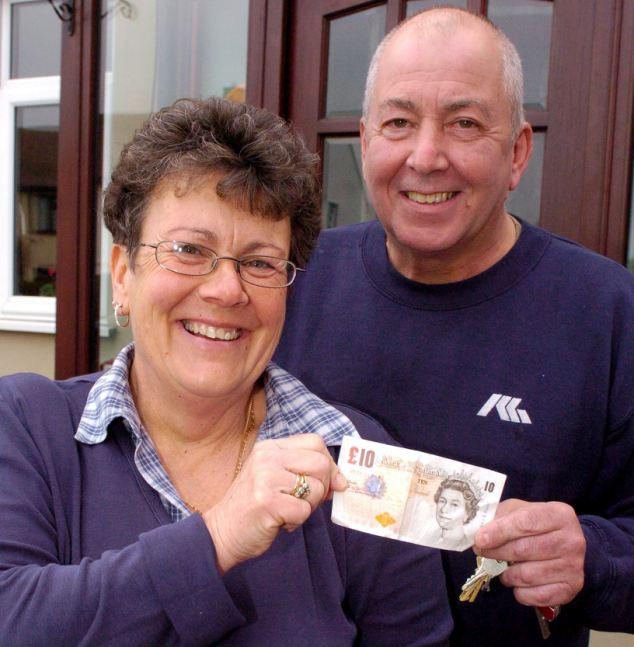 Ladrão devolve itens roubados e deixa dinheiro com pedido de desculpas  (Foto: Reprodução Internet)