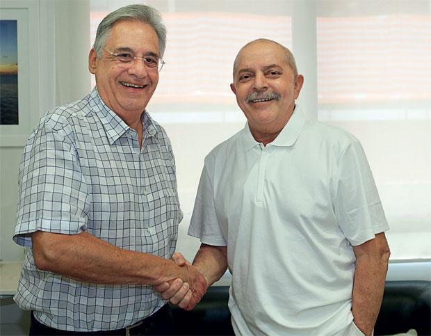 ENCONTRO FHC cumprimenta Lula no Hospital Sírio-Libanês. Os dois contribuíram  para mudar o Brasil  (Foto: Ricardo Stuckert/Instituto Lula)