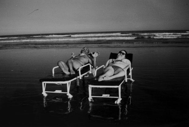 Paulo Henrique Machado, Eliana Zagui - e o mar (Foto: Arquivo pessoal)