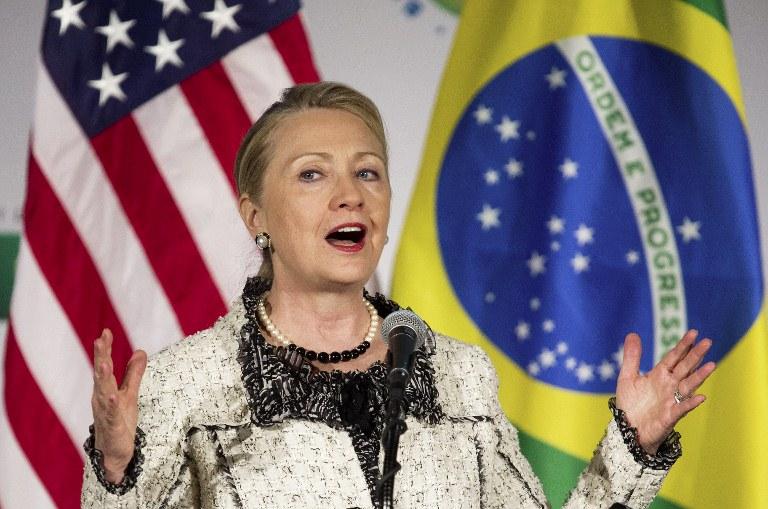 Hillary quer derrubar barreiras burocráticas com o Brasil