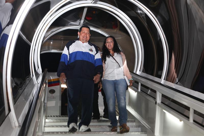 Ao chegar, Chávez disse que estava muito bem