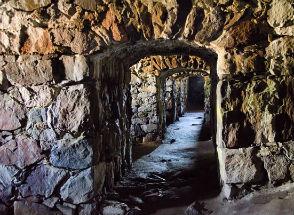 Fortaleza Suomenlinna conta a história da Finlândia nas suas pedras