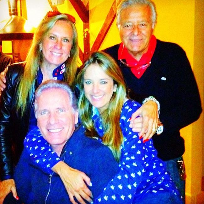 Ticiane Pinheiro e Roberto Justus com os pais dela, Helô e Fernando Pinheiro (Foto: Reprodução / Twitter)