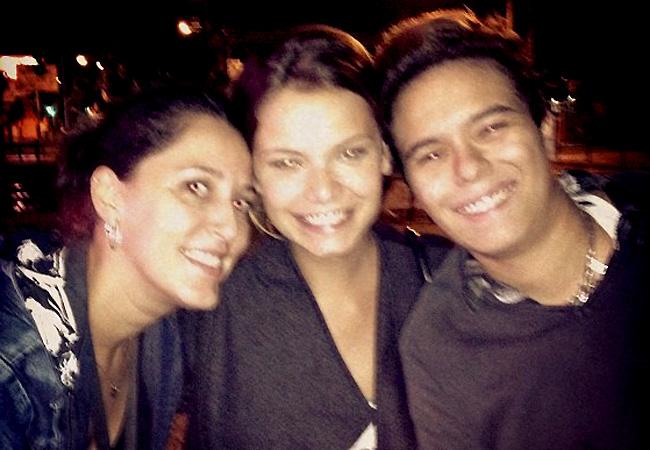 Milena Toscano ao lado de Maria Gadú e amiga (Foto: Reprodução/Twitter)