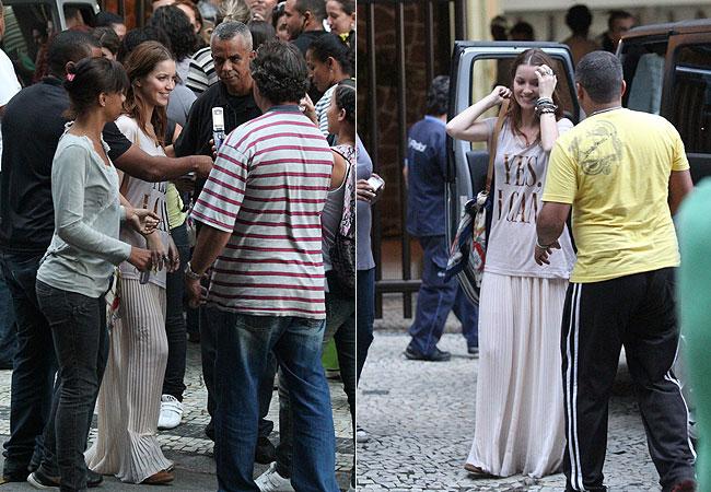 Nathália Dill também recebeu o carinho do público (Foto: Wallace Barbosa/AgNews)
