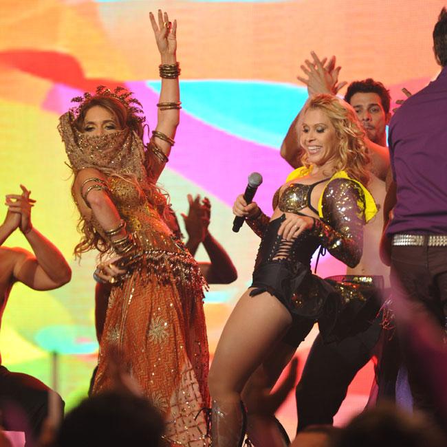 Cláudia Abreu e a vocalista do Calypso, Joelma (Foto: Divulgação/TV Globo)