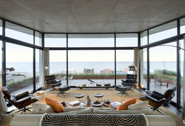 terraco jardim detalhe:Décor do dia: sofá com vista para o mar – Casa Vogue