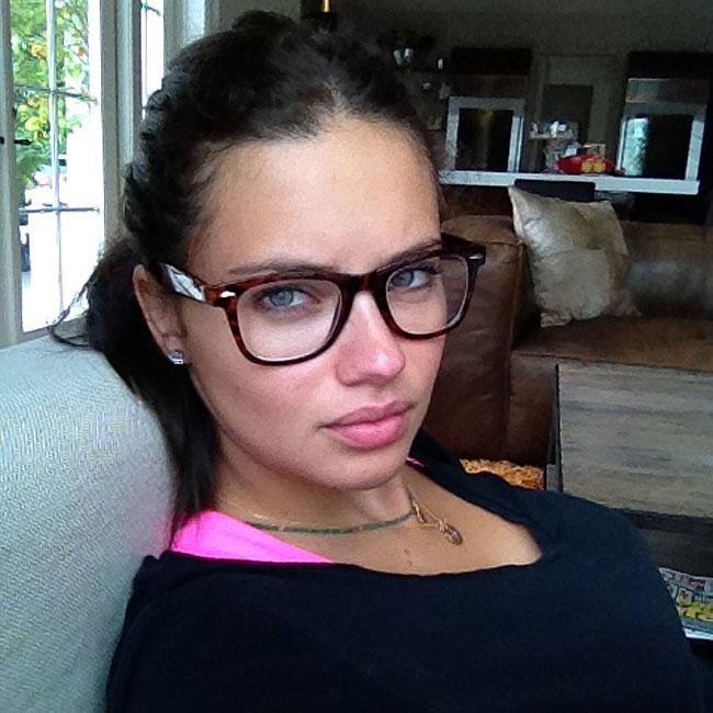 Adriana Lima (Foto: Reprodução/Twitter)