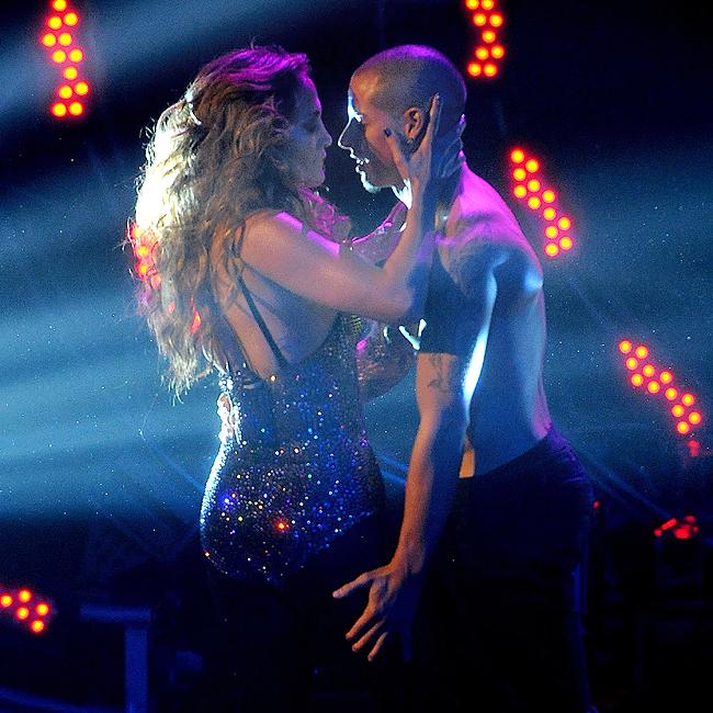 Jennifer Lopez e o namorado, Casper Smart (Foto: Grosby Group)