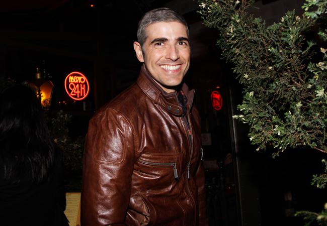 Giane recebe muitos elogios por look grisalho (Foto: Milene Cardoso/AgNews)