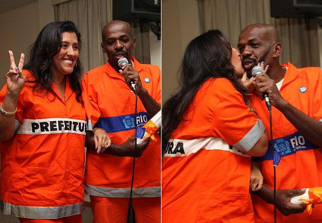 A apresentadora subiu ao palco com o famoso gari Sorriso (Foto: Cláudio Andrade/Revista QUEM)