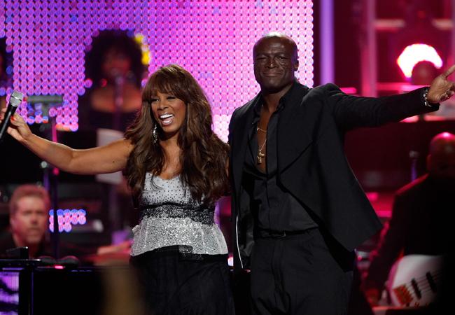Donna Summer e Seal em concerto realizado em outubro de 2010 (Foto: Getty Images)