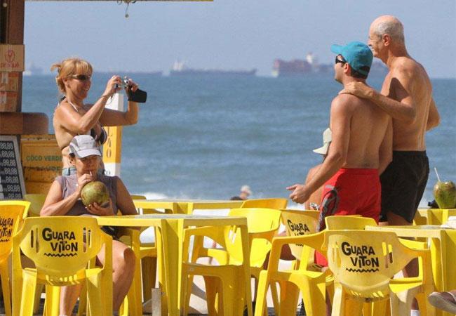 Marcos Caruso tirou fotos com fãs (Foto: ANDRÉ FREITAS / AG. NEWS)