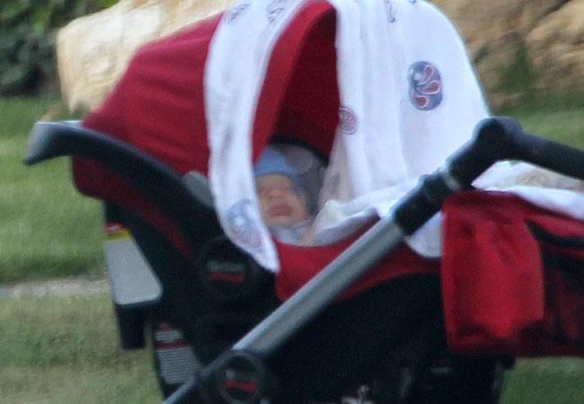 Rostinho de Samuel foi fotografrado pela primeira vez. O menino tem 2 meses (Foto: GROSBY GROUP)