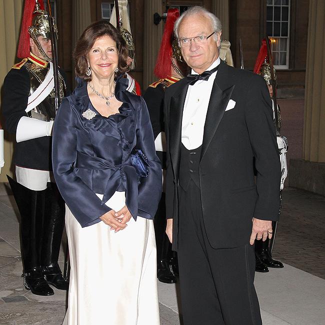 A rainha Silvia da Suécia ao lado do rei Carl XVI Gustaf (Foto: Getty Images)