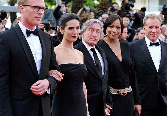 Paul Bettany, Jennifer Connelly, Robert De Niro com a mulher, Grace Hightower, e o representante da Gucci Patrizio di Marc (Foto: Getty Images)