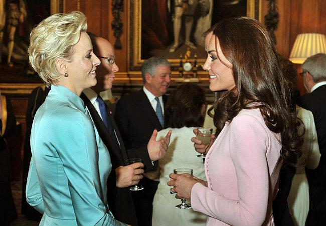 Kate Middleton e a Princesa Charlene de Mônaco (Foto: Getty Images)