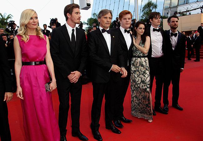 Kirsten Dunst, Garrett Hedlund, Viggo Mortensen, Danny Morgan, Kristen Stewart, Sam Riley e Tom Sturridge (Foto: Getty Images)