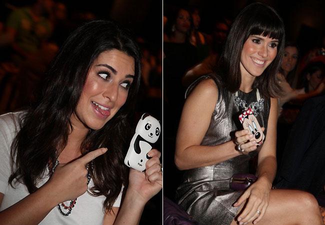 As atrizes mostram as capinhas divertidas de seus celulares (Foto: Cláudio Andrade/Revista QUEM)