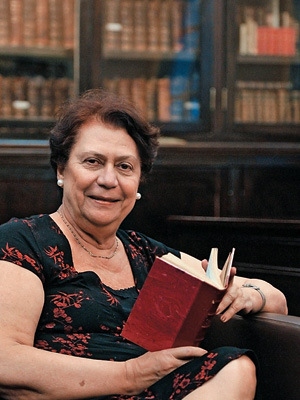 CARTILHA IMORTAL A presidente da Academia Brasileira de Letras, Ana Maria Machado. Ela organizou um guia de como ler os clássicos (Foto: Guilherme Gonçalves/ABL)