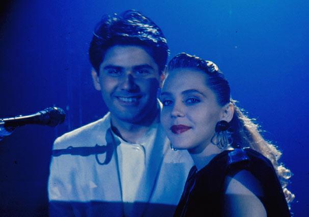 Cesar Filho e Isabela Garcia, apresentadores do programa musical (Foto: Reprodução)