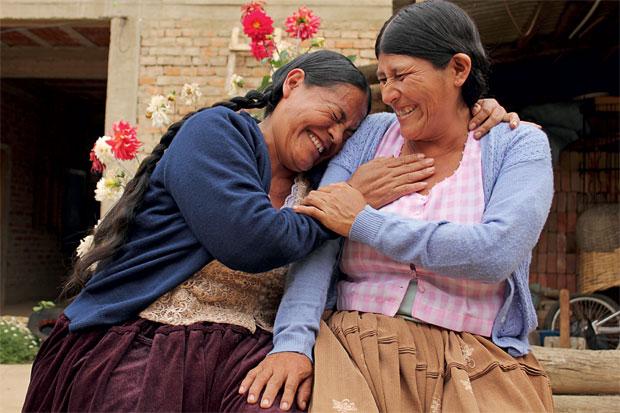 """""""Vinchuca"""" é o nome que os bolivianos dão ao barbeiro, inseto que suga sangue  e transmite a doença de Chagas. Maria e Cristina aprenderam a conviver com ele – e agora têm de fazer uma viagem para salvar suas vidas  (Foto: Vânia Alves)"""