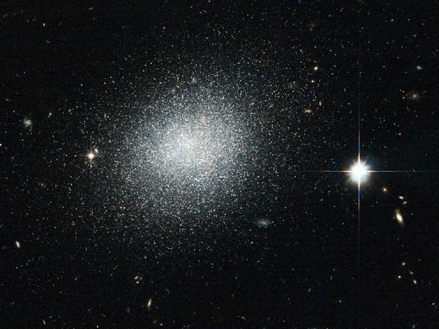 galaxia UGC 5497 (Foto: ESA/NASA)