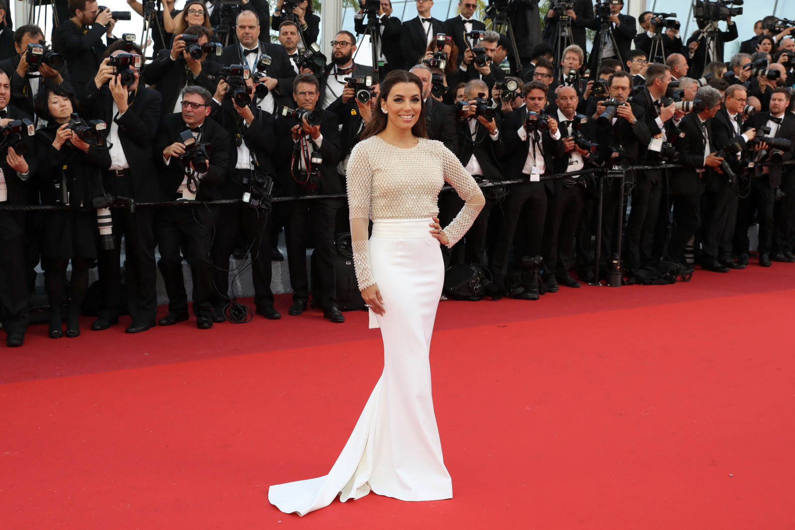 """CANNES, FRANCE - MAY 11: Eva Longoria attends the """"Cafe Society"""" premiere and the Opening Night Gala during the 69th annual Cannes Film Festival at the Palais des Festivals on May 11, 2016 in Cannes, France.  (Photo by Neilson Barnard/Getty Images)"""