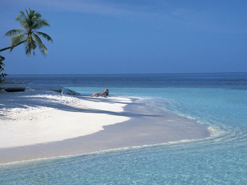 Puro azul! Sete lugares pelo mundo para mergulhar em águas cristalinas e espantar o calor