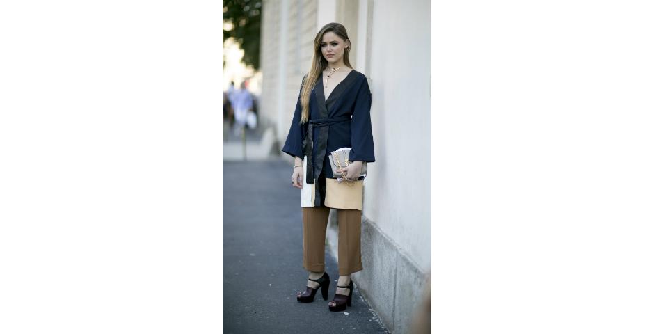 Aprenda a combinar calça com vestido e atualize o look de inverno ... d42362750c208