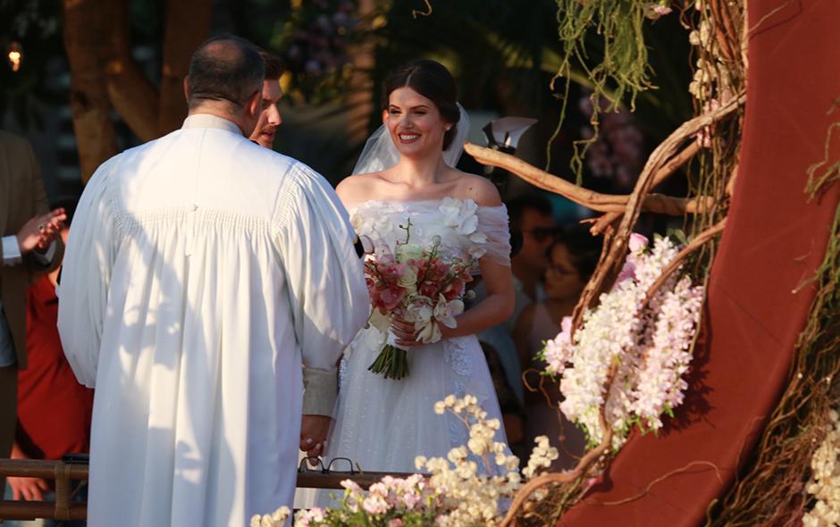 d0c84f493 Camila Queiroz e Klebber Toledo se casam em Jericoacoara - Quem ...