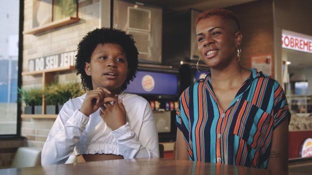 """""""Como vou explicar para meu filho?"""" Campanha do Burger King mostra olhar das crianças sobre LGBTQIA+"""